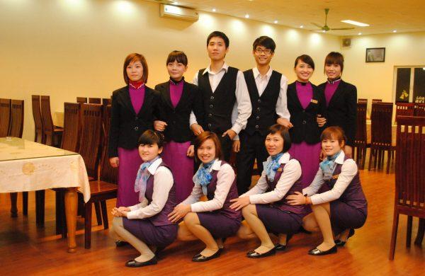 Nên chọn loại vải nào để may đồng phục cho nhân viên?