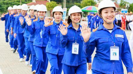 May đo đồng phục công nhân