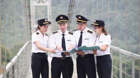 Dịch vụ may đo trang phục ngành